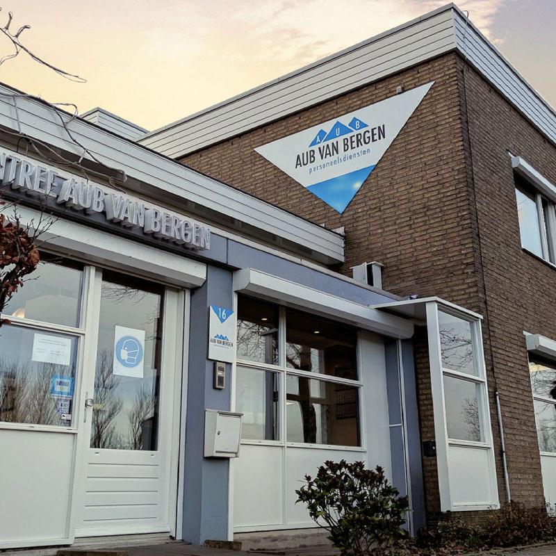 AUB van Bergen praca w Holandi