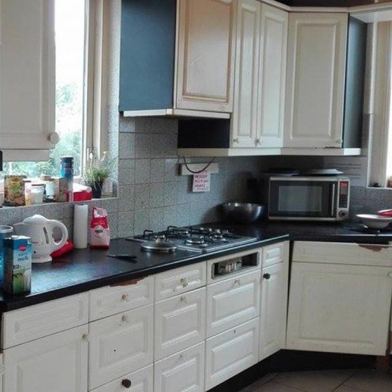 Kuchnia w jednym z mieszkań pracowniczych w Holandii